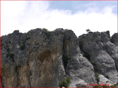 cliff above Kalamafka is challenging